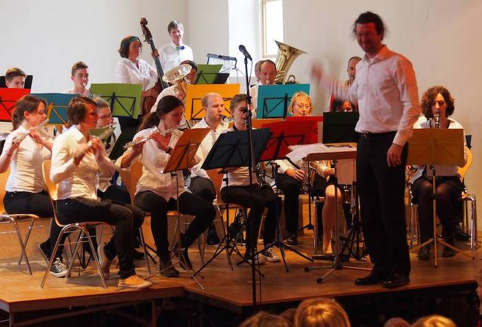 Musikverein Littenweiler im B�rgersaal, Nikolaus Reinke mit schmerzverzerrtem Gesicht